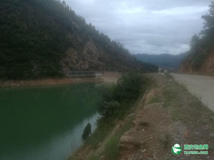 水库大坝段
